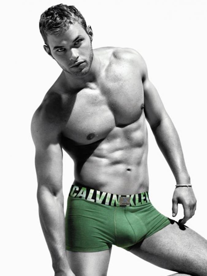 kellan-lutz-shirtless-photos-10202011-lead-675x900