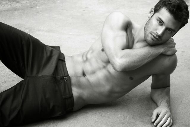 Ryan-Guzman-2012-Cosmopolitan-11