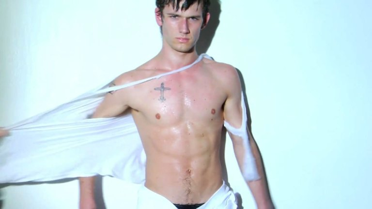 Alex-Pettyfer-alex-pettyfer-and-jake-abel-18219316-1280-720