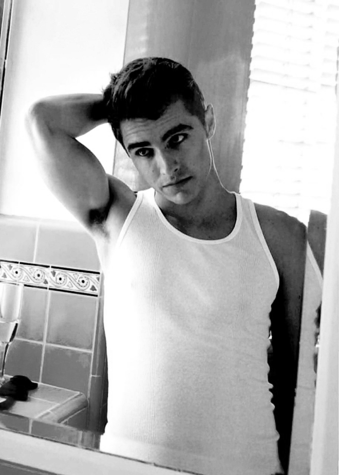 Early-morning-dave-franco-37107686-914-1280