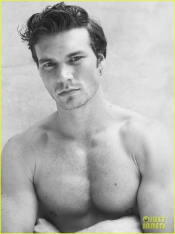derek-theler-shirtless-just-jared-photo-shoot-05