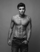 Fashionisto-Exclusive-Josh-Cuthbert-006-800x1052
