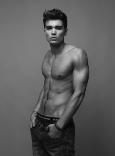 Fashionisto-Exclusive-Josh-Cuthbert-007-800x1087