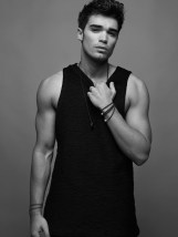 josh_cuthbert_15_tablet