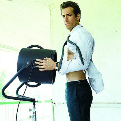 Hot-Shirtless-Ryan-Reynolds-Pictures