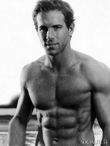 ryan-reynolds-shirtless-photos-01192011-21-435x580