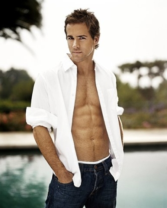 ryan-reynolds-shirtless-photos-01192011-31