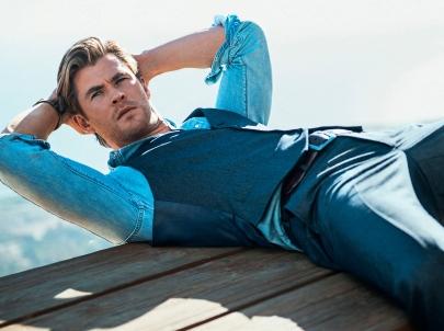 Chris-Hemsworth-man-handsome-photoshoot-magazine-desktop