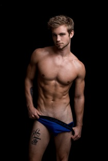 dustin-mcneer-by-fritz-yap017