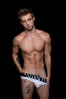 dustin-mcneer-by-fritz-yap020
