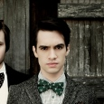 panic_at_the_disco_brendon_urie_spencer_smith_100311_2048x2048