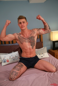 a-danny-mccaw-young-straight-musician-danny-shows-his-stunningly-defined-body-ultra-hard-big-uncut-cock-20160406-16