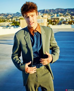 cameron-dallas-green-suit