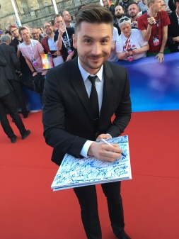 ESC-2016-Red-Carpet-Sergey-Lazarev-Signing-Session