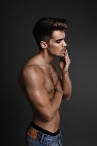 josh-cuthbert-2016-attitude-photo-shoot-003