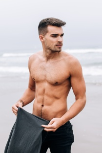 karanixon-twomanagement-joshcuthbert-13