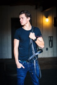Tom Holland is an English actor and dancer. Holland is known for playing the title role in Billy Elliot the Musical, as well as for starring in the 2012 film The Impossible and his role of Spider-Man in the latest Marvel movies. He also stars in The Lost City of Z. EXCLUSIVE. SPECIAL RATES APPLY. CLEARANCE REQUIRED FROM EYEVINE BEFORE USE. © Nikki Holland / eyevine Contact eyevine for more information about using this image: T: +44 (0) 20 8709 8709 E: info@eyevine.com http:///www.eyevine.com©Tom Holland photographed in Atlanta USA. ***MIN 50 EURO*** *** Local Caption *** 01737163