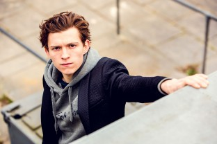 Tom Holland is an English actor and dancer. Holland is known for playing Spider-Man in the Marvel movies. EXCLUSIVE. SPECIAL RATES APPLY © Nikki Holland / eyevine Styling by Amy Cooper. Contact eyevine for more information about using this image: T: +44 (0) 20 8709 8709 E: info@eyevine.com http:///www.eyevine.com©Tom Holland photographed in Atlanta USA. ***MIN 50 EURO*** *** Local Caption *** 01833933