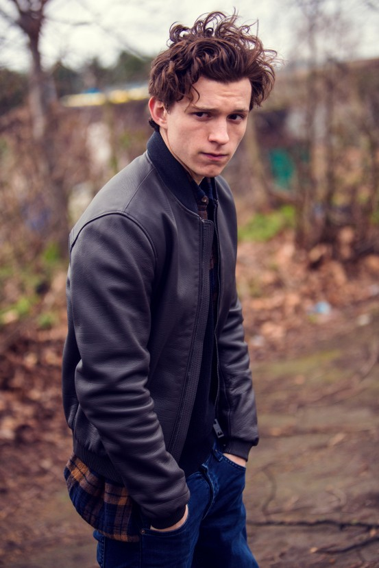 Tom Holland is an English actor and dancer. Holland is known for playing Spider-Man in the Marvel movies. EXCLUSIVE. SPECIAL RATES APPLY © Nikki Holland / eyevine Styling by Amy Cooper. Contact eyevine for more information about using this image: T: +44 (0) 20 8709 8709 E: info@eyevine.com http:///www.eyevine.com©Tom Holland photographed in Atlanta USA. ***MIN 50 EURO*** *** Local Caption *** 01833939