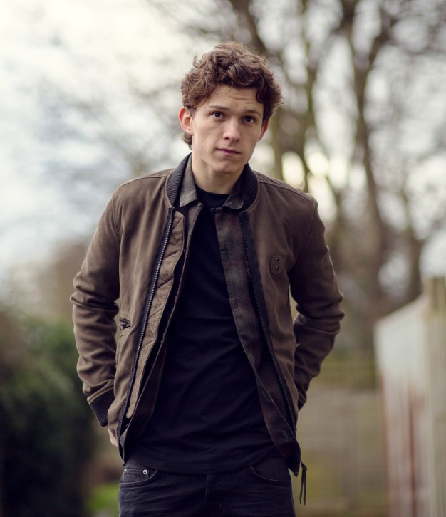 Tom Holland is an English actor and dancer. Holland is known for playing Spider-Man in the Marvel movies. EXCLUSIVE. SPECIAL RATES APPLY © Nikki Holland / eyevine Styling by Amy Cooper. Contact eyevine for more information about using this image: T: +44 (0) 20 8709 8709 E: info@eyevine.com http:///www.eyevine.com©Tom Holland photographed in Atlanta USA. ***MIN 50 EURO*** *** Local Caption *** 01833964