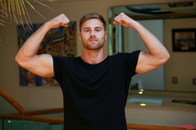 a-tom-lawson-straight-young-rugby-hunk-tom-shows-us-his-hairy-body-big-uncut-cock-20170917-04