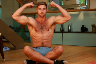 a-tom-lawson-straight-young-rugby-hunk-tom-shows-us-his-hairy-body-big-uncut-cock-20170917-10