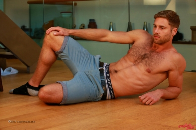 a-tom-lawson-straight-young-rugby-hunk-tom-shows-us-his-hairy-body-big-uncut-cock-20170917-11