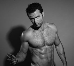 -harry-judd-teams-up-with-now-tv-to-launch-obfleshion-eau-de-walker-frag-1